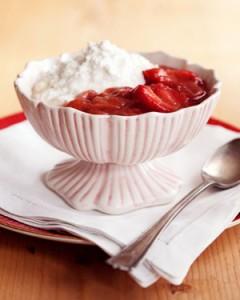 Ricotta dolce con salsa di fragole