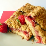 Strawberry crumble cake