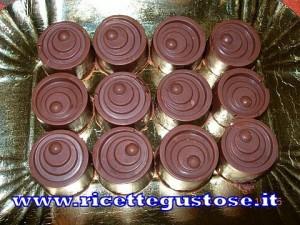 cioccolatini con mousse di fragole