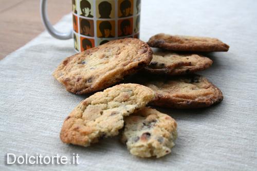 cookies con uvetta e cioccolato